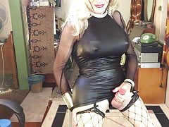 FionaRingCD Shemale Humungous titties nipples arse hips cock & smile.