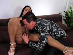 Brunette shemale anal with cumshot