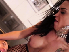 Shemale slut pulverizing